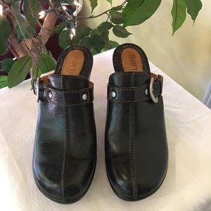 Born heeled black shoes